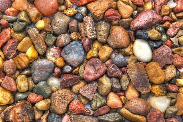 Grounding energy of river rocks euphoric feng shui for What to do with river rock